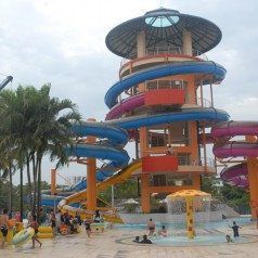 My first 'suaku' trip to Jurong East Swimming Complex @ Lakeside