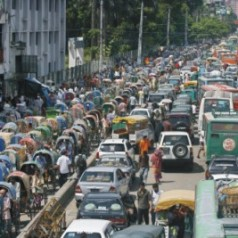 An interesting paradigm shift to tackle motor car road congestion in Singapore :  On-Peak Cars